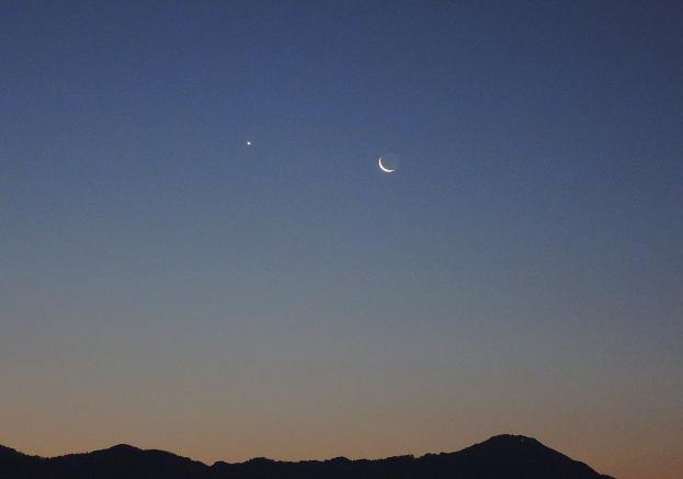 三日月と明けの明星2.jpg